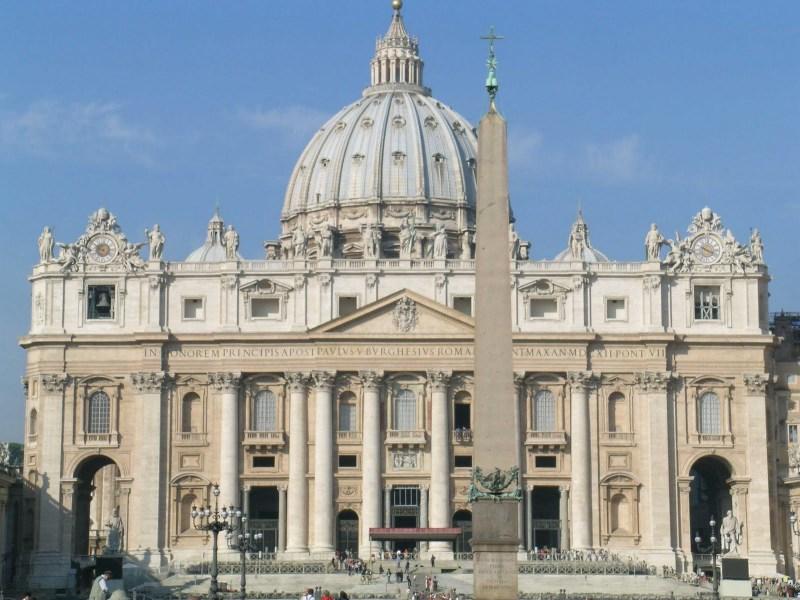 https://nghiathuc.files.wordpress.com/2011/08/stpetersbasilica-vaticano.jpg?w=300