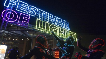 111016102035_berlin_light_festival_01_976x549_reuters_nocredit